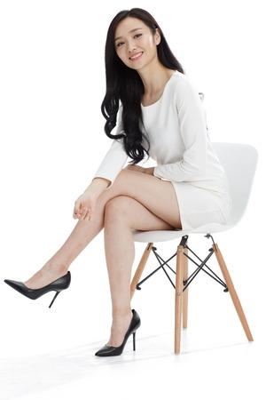 piernas mujer: Joven mujer de negocios