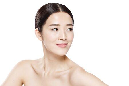El retrato de maquillaje de mujer joven