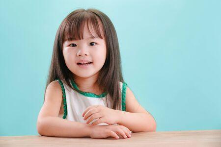The little girl's lovely face Imagens