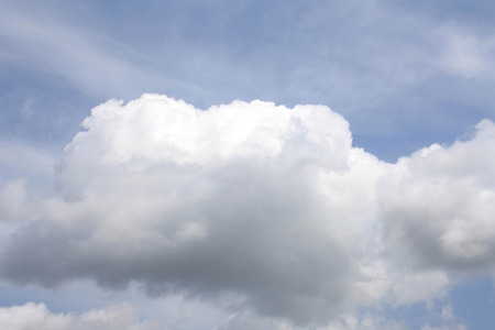 evaporate: The fluffy cloud slowly floats on the sky.
