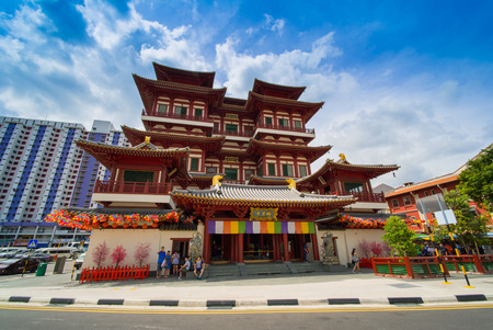 toothe: SINGAPORE - March 28 : Buddha Toothe Relic Temple in Chinatown Singapore on May 06, 2016 in Singapore