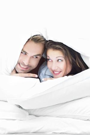 pareja en la cama: Enganche