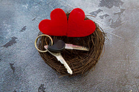 house keys in a nest with hearts. valentines day gift . High quality photo 版權商用圖片