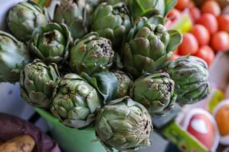 Fresh artichokes for sale at farmers market. Reklamní fotografie