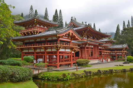 valley of the temples: Byodo-In Temple with the Koolau mountains in the Valley of the Temples on Oahu, Hawaii, USA.