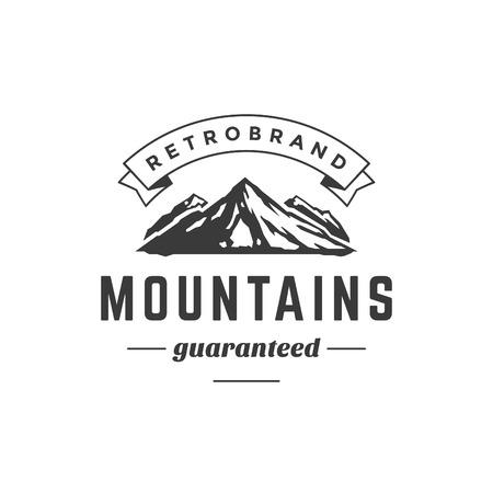Insignia de la montaña de la vendimia Plantilla del emblema. Silueta alta de la roca. Etiqueta o insignia para hacer publicidad, Equipo Aventura y otra de diseño. Ilustración vectorial de estilo retro. Ilustración de vector