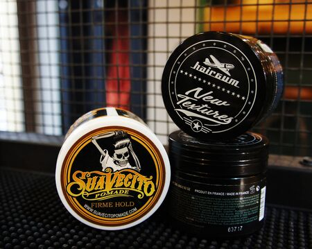 pomade strong firme hold. trendy barbershop styling. gel for male styling - SuaVecito, hairgum.