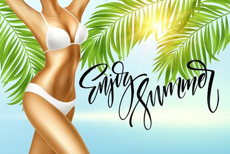 Geniet van de zomerhandschrift. Meisje in bikini tegen de achtergrond van de zee en palmbladeren. Vector illustratie
