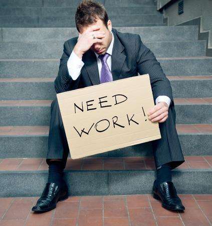 Verzweifelter Kaufmann einen Job suchen