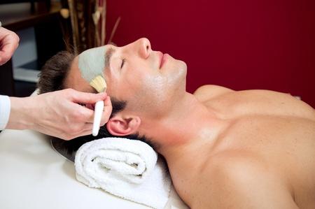 facial cleansing: Mud musk