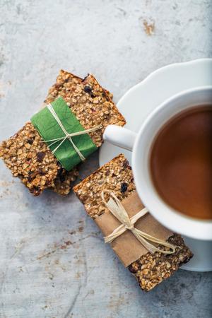 granola bar: Cup of tea and granola bars