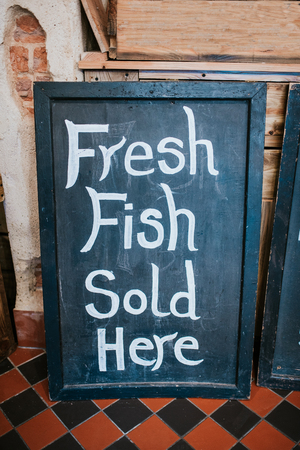 Verse vis hier verkocht teken