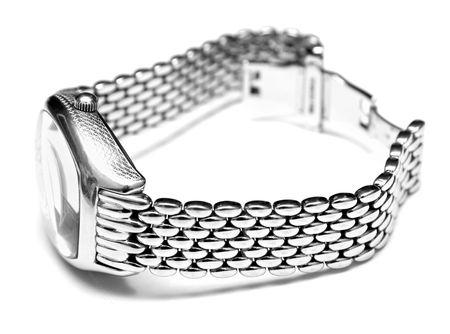 mans watch: Hombre de la plata reloj. Aislamiento sobre un fondo blanco. Macro. Someras DOF