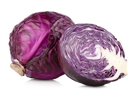 cabbage: rode kool geïsoleerd op wit