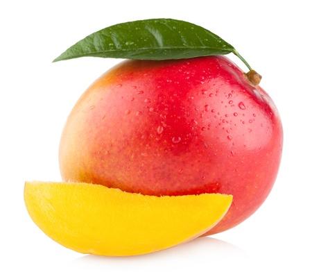 mango fruta: mango aislado sobre fondo blanco