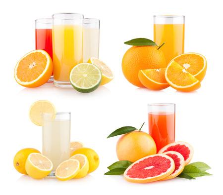新鮮な柑橘類のジュースとフルーツ