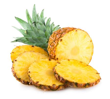 白で隔離熟したパイナップル