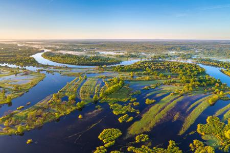 Fluss Prypiac' (Weißrussland) im Frühjahr
