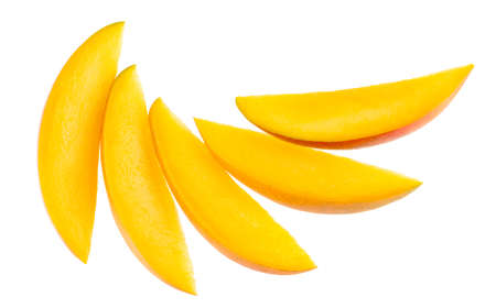 Ripe mango slices isolated on white background with clipping path Standard-Bild