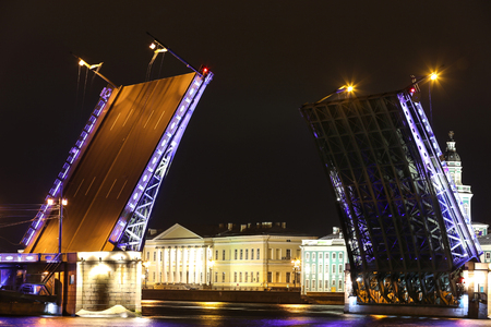 The city of St. Petersburg. Divorce of the Dvortsovy Bridge on the Neva River