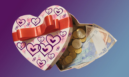everybody: Somebody love money.  Perhaps everybody love money.  Money is in the hart.