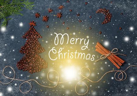 Composición de Navidad vintage con granos de café árbol de Navidad cielo mágico copos de nieve abeto árbol canela estrellas y luces. Tarjeta de Navidad con saludo feliz Navidad. Año nuevo, fondo, plano, endecha