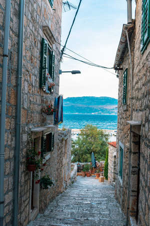 Narrow old street in Sutivan town, Brac, Croatia. Reklamní fotografie