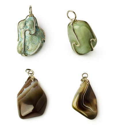 白で隔離設定石ネックレス: トルコ石、翡翠、瑪瑙 写真素材