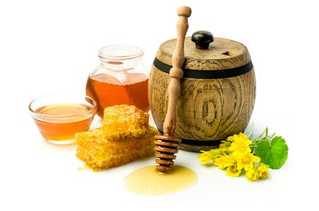 木製の樽で蜂蜜し、ハニカムの分離ホワイト