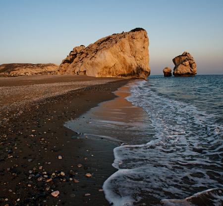 aphrodite: Petra tou Romiou, lugar de nacimiento de Afrodita. Chipre, Pafos. Foto de archivo