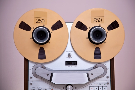Analog Stereo Open Reel Tape Deck Recorder with large reels Banco de Imagens