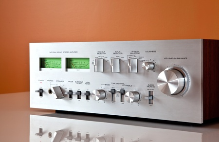 receiver: Stereo Vintage Amplifier with reflection