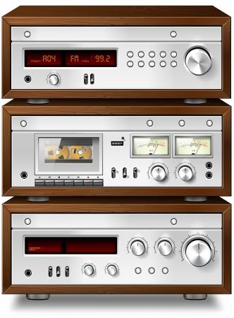 equipo de sonido: Música Audio estéreo analógico Deck Cassette compacto con amplificador y sintonizador vendimia estante Foto de archivo