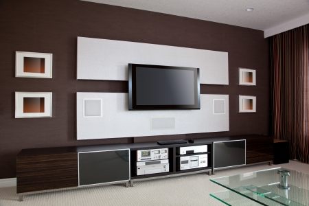 現代家庭影院的室內配備平面電視 版權商用圖片