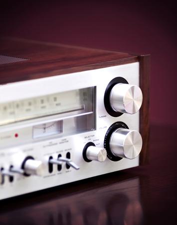 equipo de sonido: Receptor de radio est�reo de la vendimia