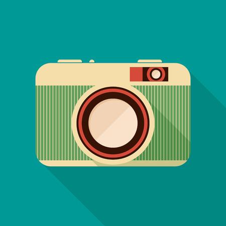 レトロなカメラのアイコン。古いカメラで背景。フラットなデザイン、長い影。ベクトルの図。  イラスト・ベクター素材