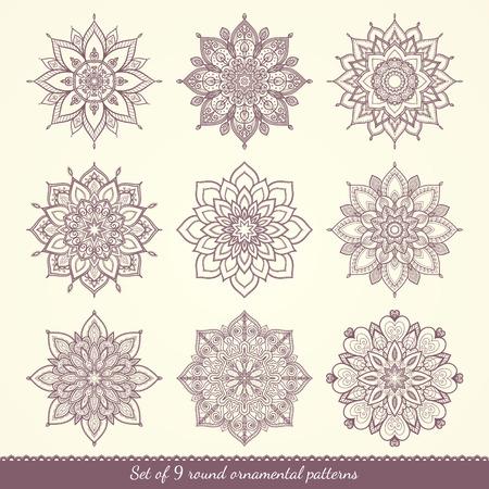 schneeflocke: Set von neun ethnischen ornamentalen Blumenmustern. Hand gezeichnet Mandalas. Lace Rund Ornamente. Vektor-Illustration.