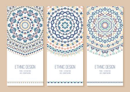 Satz von ethnischen Banner. Stilvolle Stammes geometrischen Hintergründe. Templates für Design mit Azteken-Ornamente. Vektor-Illustration. Standard-Bild - 44774372