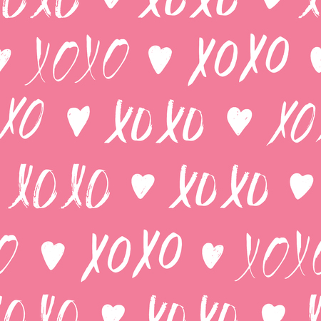 Seamless pattern with XOXO phrase and hearts on pink. Romantic theme. Valentines Day background. Vector illustration. Vettoriali