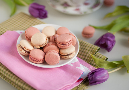 Macaroons with tulips