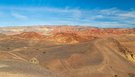 View of the Ubehebe Craters volcanic field in Death Valley National Park. Banco de Imagens