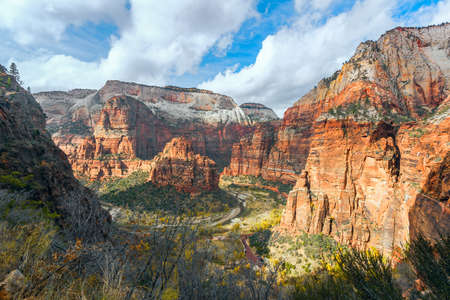 Aerial view of Big Bend from Hidden Canyon Trail. Zion National Park. Utah. USA 版權商用圖片