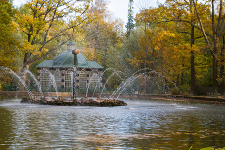 city park fountain: Russia, St. Petersburg, city of Petrodvorets, October 10, 2015. Fountain of the sun in the park of Peterhof