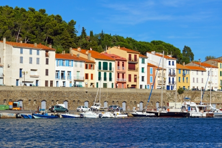 port vendres: Colorful seafront houses in the Mediterranean fishing port of Port Vendres, Roussillon, Pyrenees Orientales, Vermilion coast, France