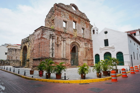 panama city: Ruin of the Santo Domingo convent, Casco Viejo, Panama City, Panama, Central America Stock Photo