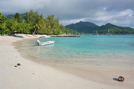 french polynesia: White sand beach near the village of Fare in Huahine island, Pacific ocean, French Polynesia