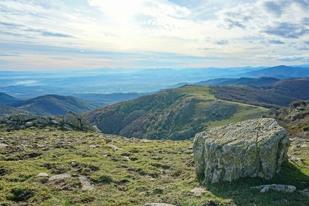 Landscape from the top of the Albera mountain range at the border between Spain and France, Pyrenees, Catalonia, Alt Emporda Banque d'images - 117727649