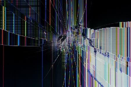 liquid crystal: Cracked roto pantalla de cristal l�quido de fondo macro de la tecnolog�a abctract