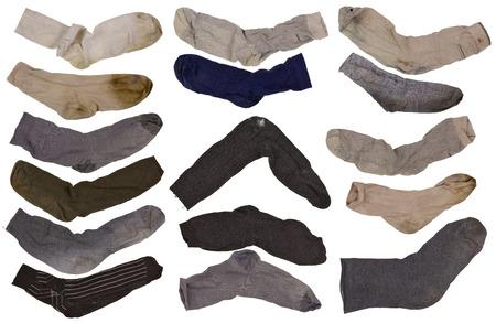 pieds sales: Le vieux usé fragmentaire, mais purement lavé par les chaussettes rétro hommes fixés. collage isolé à partir de plusieurs photos Banque d'images