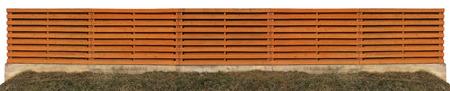 Lange stevige oranje houten landelijke hek. Geïsoleerde panoramisch een collage van verschillende foto's